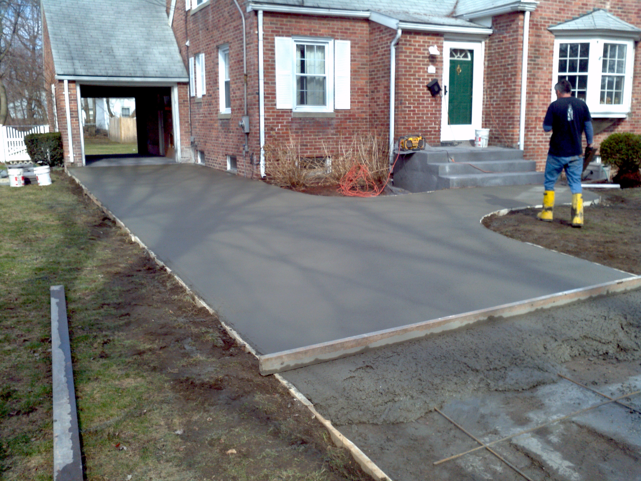 Construction videos for How to pour a concrete driveway